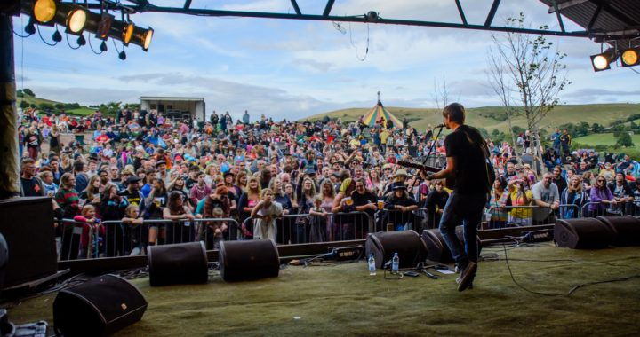 Gaz Brookfield at Farmer Phil's Festival 2016